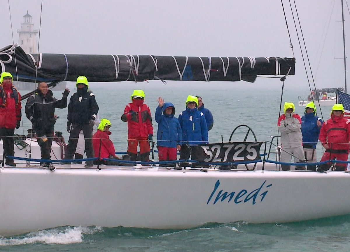 Merlin Yacht Racing suspends race to Mackinac to search for missing man overboard